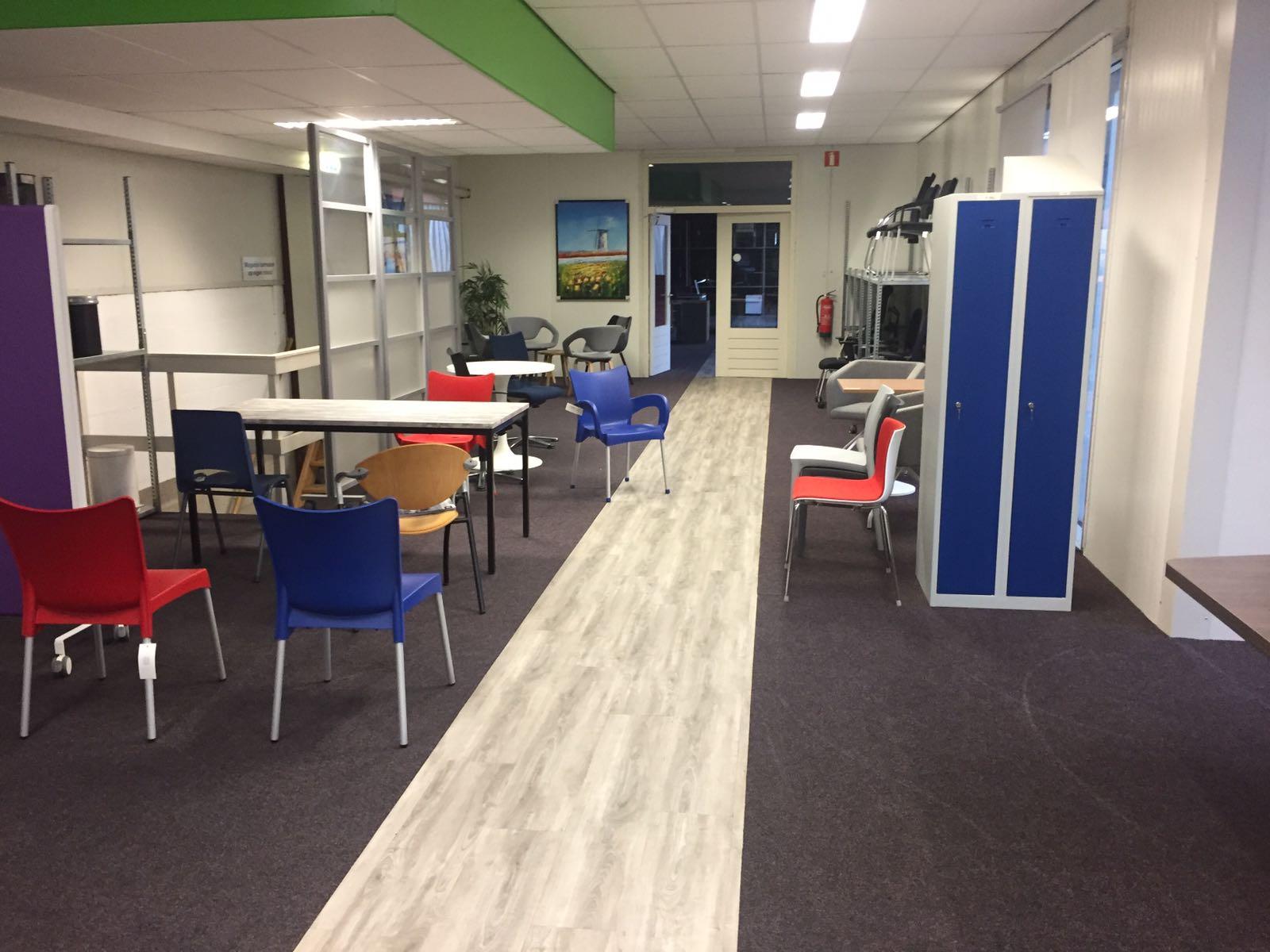 Kantoormeubelen Gebruikt Groningen.Showroom Nieuwegein